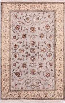 Indian Jaipur Grey Rectangle 4x6 ft Wool and Raised Silk Carpet 136046