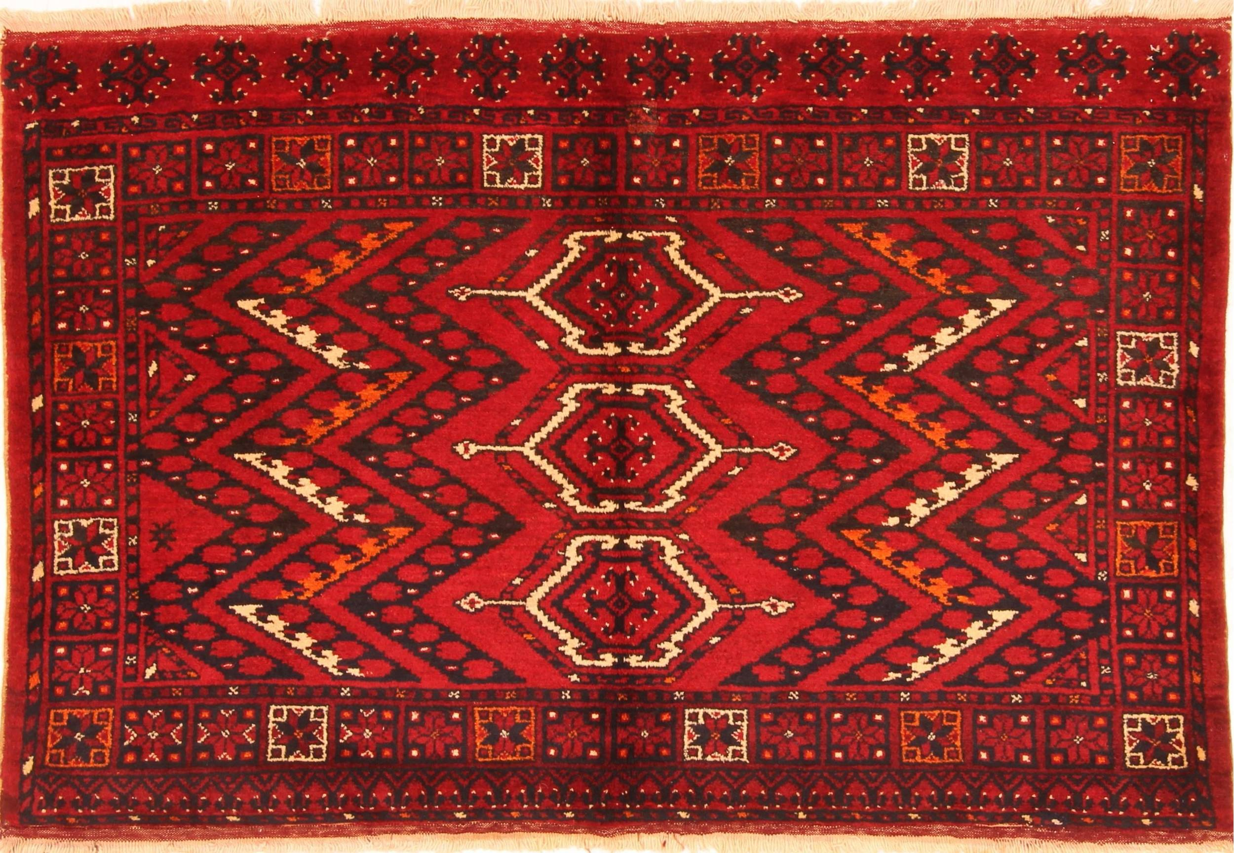 Kunduz Red Hand Knotted 3 5 X 4 Area Rug 253